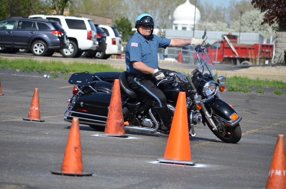 Gallery Video Advanced Motorcycle Trainingmidwest Police Motorcycle Training Incthe Original